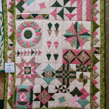 09:-3 Of a Kind Mine, Hers and Yours By Anne Browne / BOM from Popular Patchwork magazine 2013. Great fun to make with two of my friends